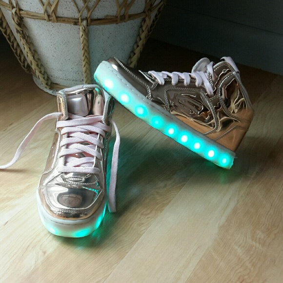 5cb360909c35 Skechers Shoes